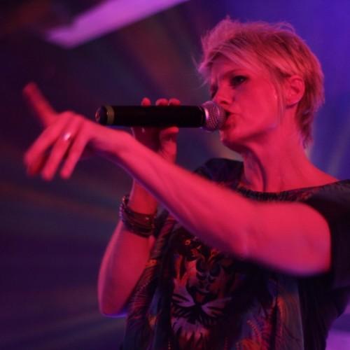 Simone Schuh